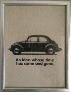 """Bild 2: """"Eine Idee, deren Zeit gekommen und wieder vergangen ist."""" Eine Anzeige von Volkswagen in den USA aus dem Jahr 1974 für den damals neuen Golf (""""Rabbit""""). Auch heute Symbol für den Anbruch einer neuen Zeitrechnung in der Automobilindustrie?"""