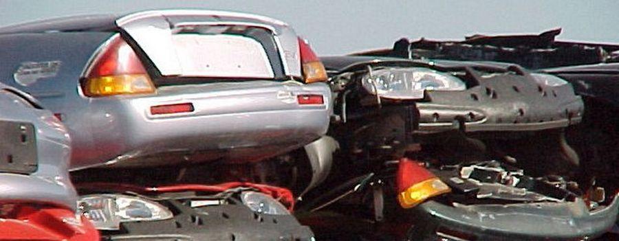 Der EV1 von General Motors. Alle fahrbereiten Exemplare wurden ab 2002 vernichtet. (Quelle: Plug In America)